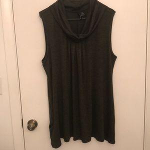 Dark green sleeveless tunic w pockets